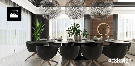 Jadania z czarnym, prostokątnym stołem