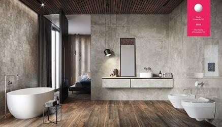 Aranżacja łazienki z betonem i drewnem