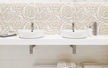 Dekory z subtelnym wzorem w strefie umywalkowej
