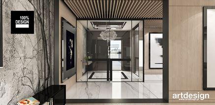 Strefa wejściowa w rezydencji w stylu glamour