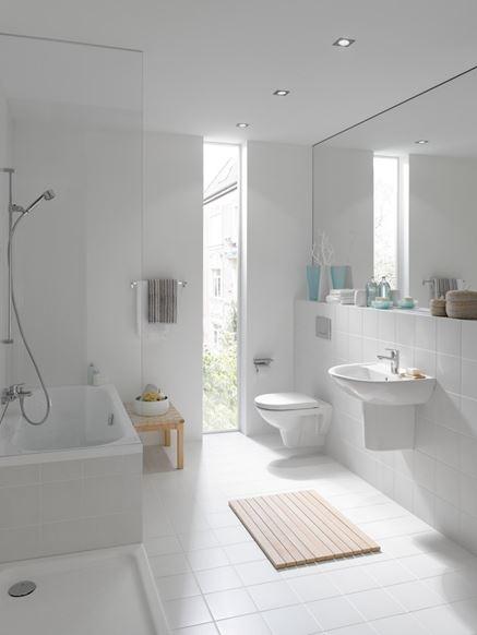 Jasna łazienka z kolekcji Laufen Pro