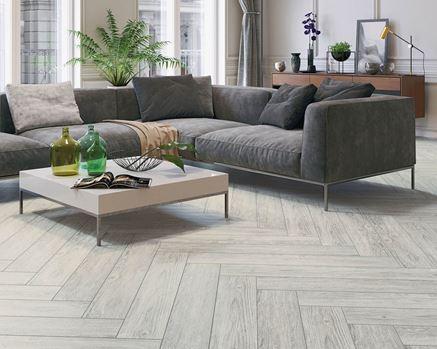 Kolekcja Foresta- drewno w salonie