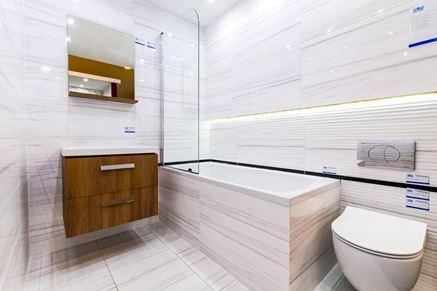 Łazienka w szarościach - Aranżacja w Olsztynie