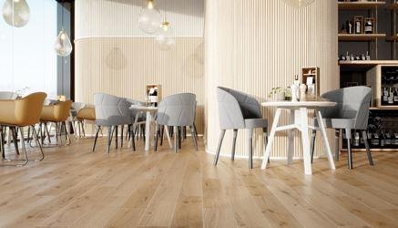 Nowoczesna przestrzeń restauracyjna z drewniana podłogą Classic Oak