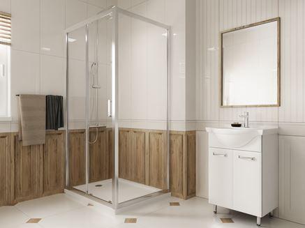 Biała łazienka z kabiną prostokątną