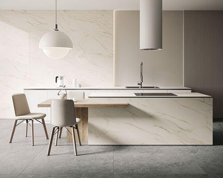Minimalistyczna kuchnia w białym marmurem