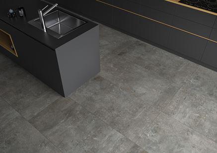 Grafitowa podłogowa w otwartej kuchni - Cerrad