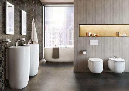 Nowoczesna łazienka w szarościach z białą ceramiką