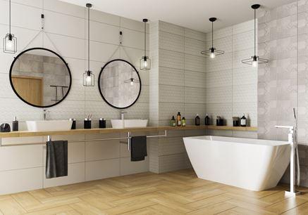 Biało-szara łazienka z płytką strukturalną i patchworkiem