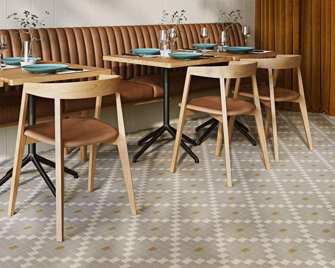 Mozaikowa podłoga w restauracji