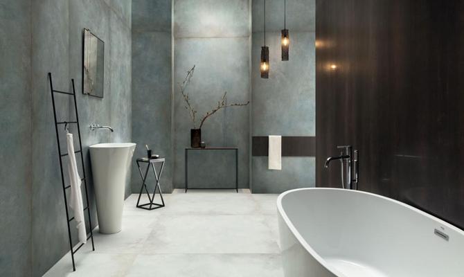 Minimalistyczna łazienka w niebieskich płytach wielkoformatowych