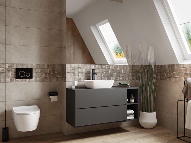 Łazienka pod skosami w drewnie i betonie