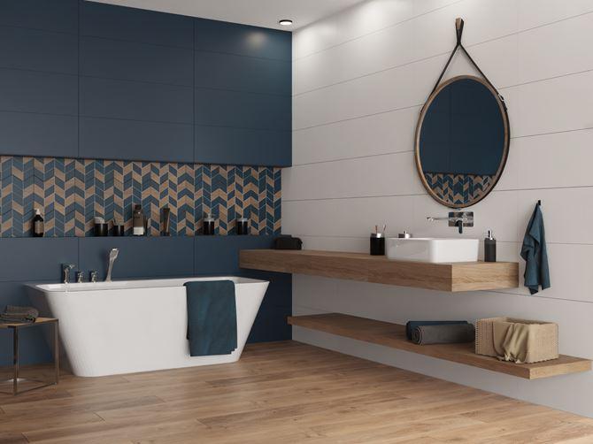 Nowoczesna łazienka w granatowym kolorze i drewnie