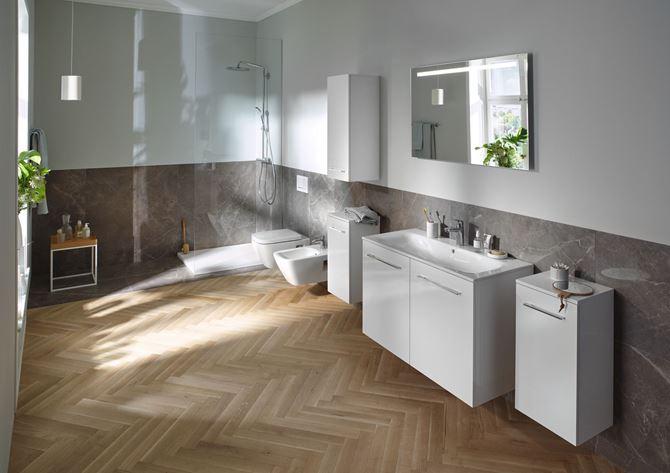 Biało-szara łazienka z meblami modułowymi Nova Pro Premium