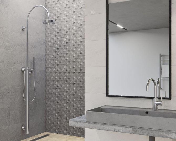 Szara łazienka z oryginalną mozaiką