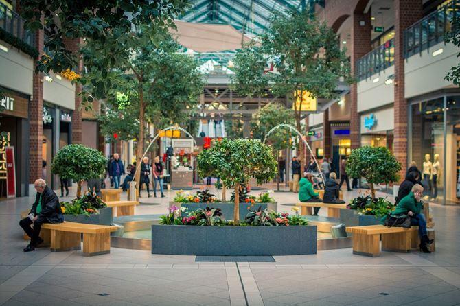 Zielona wyspa w centrum handlowym