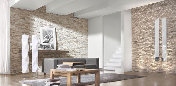 Aranżacja nowoczesnego salonu z dekoracyjną, kamienną ścianą