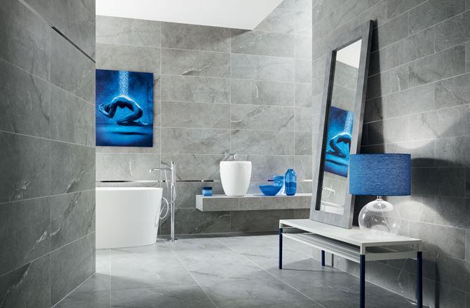Przestronna łazienka w odcieniach szarości - Tubądzin Organic matt