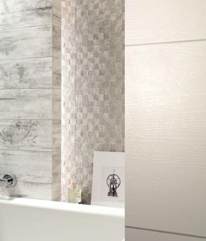 Detal aranżacji łazienki z płytkami Timbre Tubądzin