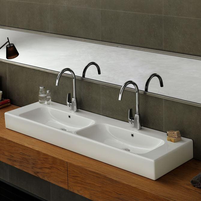 Podwójna umywalka meblowa CeraStyle Pinto w łazience
