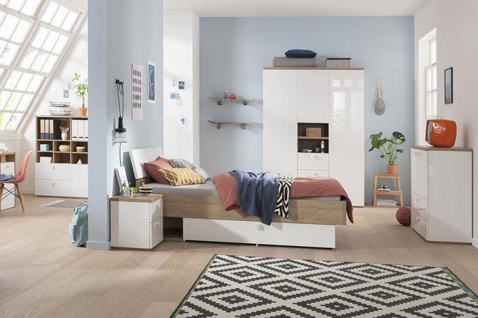 Błękitny pokój nastolatki