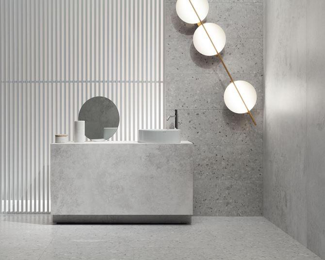Szara, nowoczesna łazienka z płytkami Tubądzin Macchia