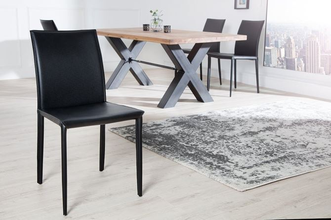 krzeslo-czarne-skora-sfmeble.jpg
