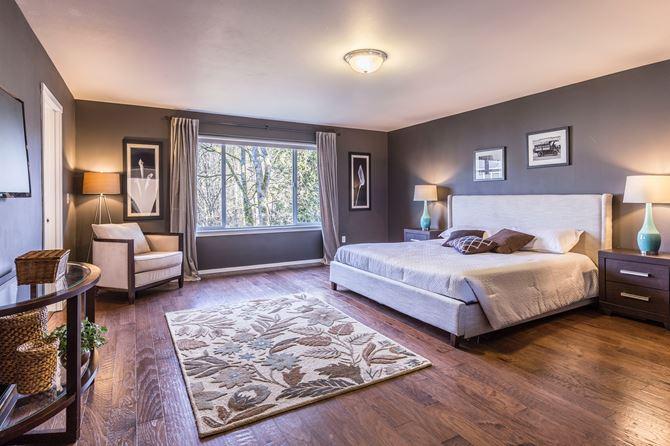 Szara sypialnia klasyczna