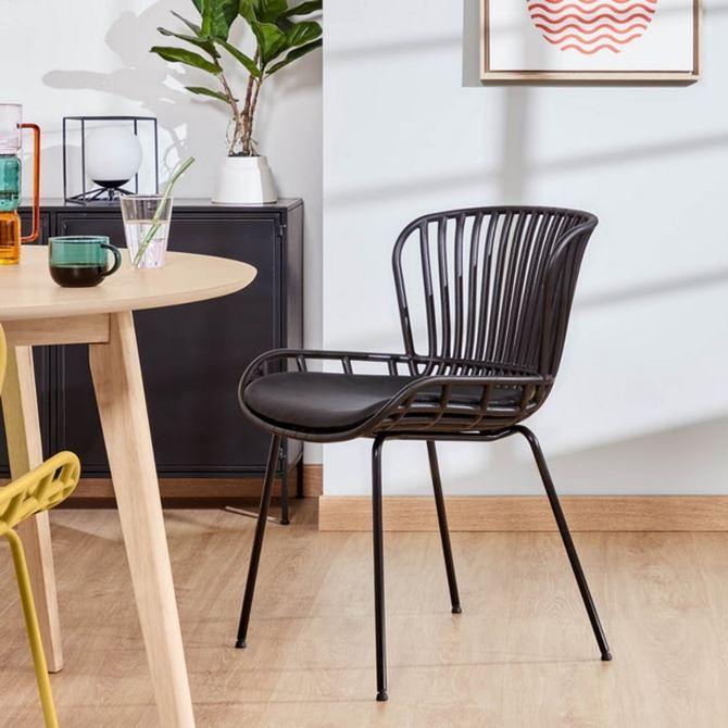 krzeslo-czarne-sfmeble.jpg