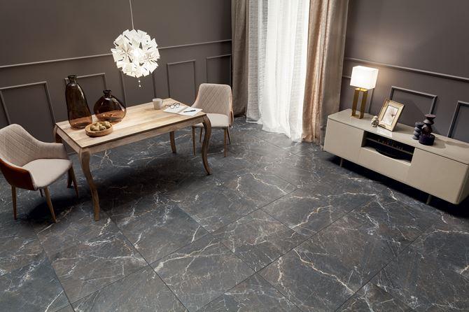 Grafitowy kamień w salonie - Domino Terini