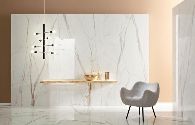 Łazienka glamour w marmurze ze złotem