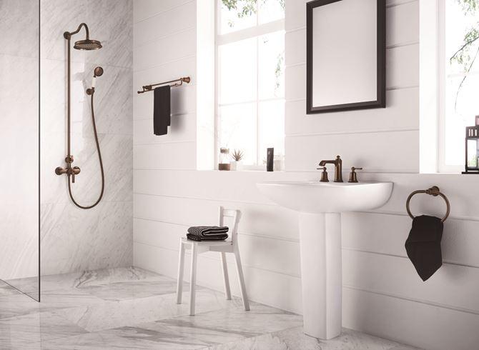 Delikatna łazienka z elementami retro Omnires Armance