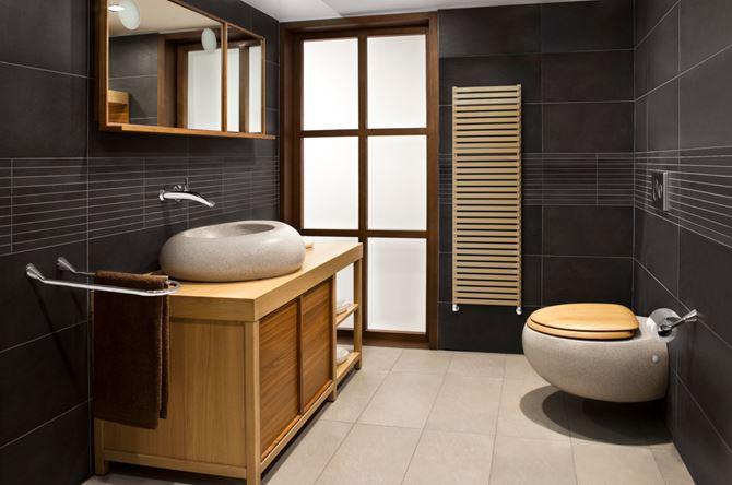 Stylowa łazienka z oryginalną ceramiką i grzejnikiem City