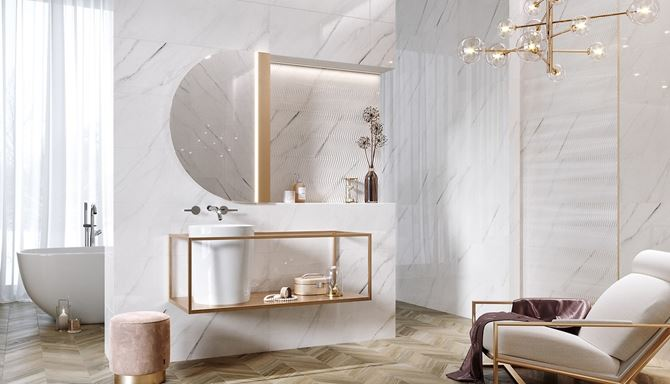 Łazienka glamour w jasnym marmurze