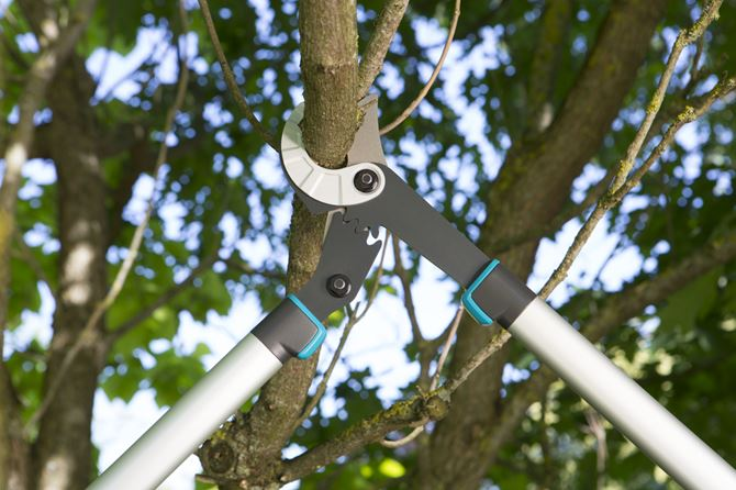 nożyce ogrodowe Gardena EnergyCut 750A