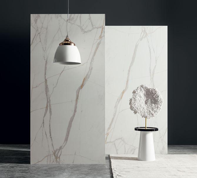 Marka MONOLITH, kolekcja Carrara Gold.jpg