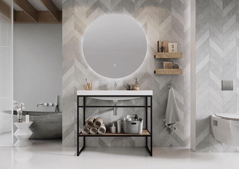 Szara łazienka z jodełkową ścianą
