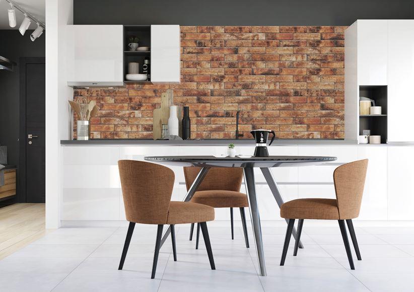 Kuchnia z ceglastą ścianą