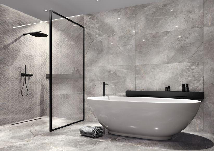 Szara łazienka z modnymi, czarnymi akcentami