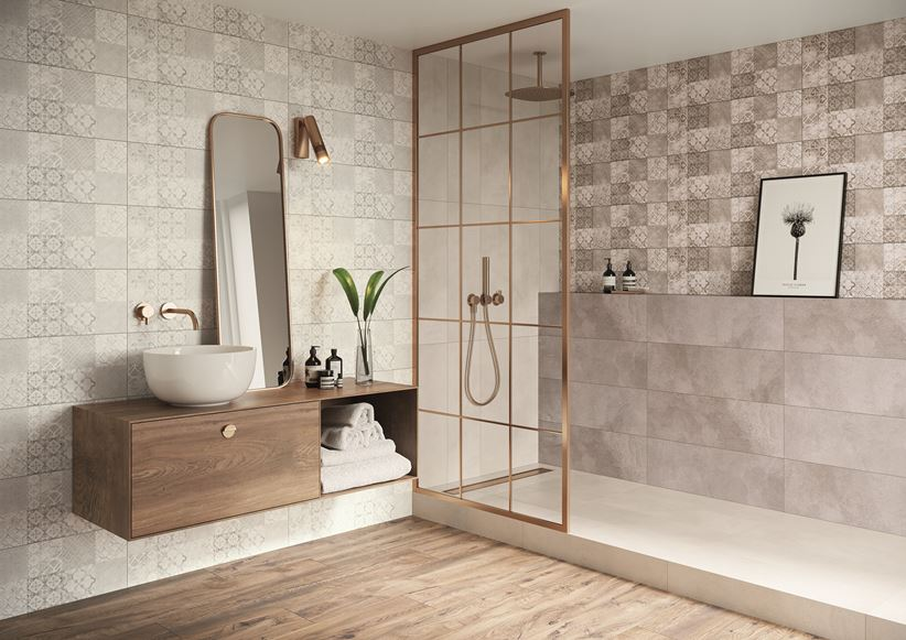 Patchworkowa łazienka z dodatkiem drewna