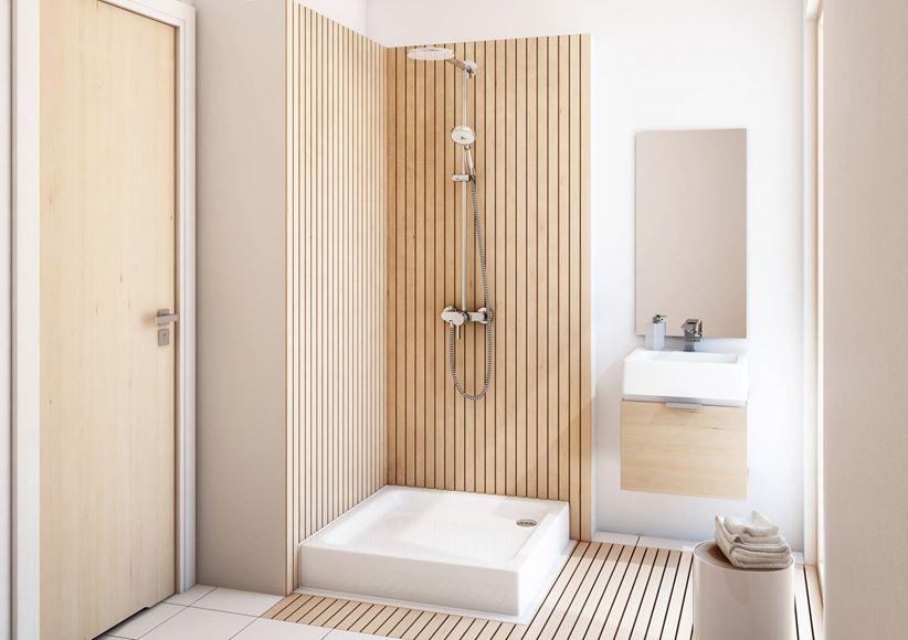 Aranżacja biało-beżowej łazienki z brodzikiem kwadratowym