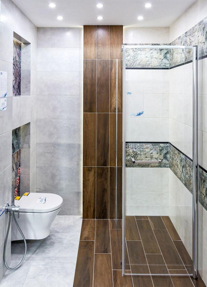Aranżacja łazienki w szarości i drewnie