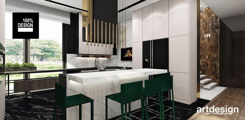 Marmurowa wyspa w biało-czarnej kuchni