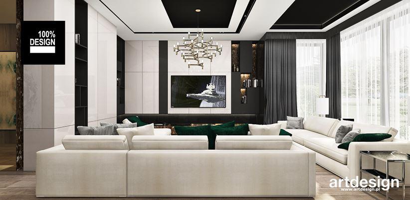Salon z czarno-białym sufitem w rezydencji glamour