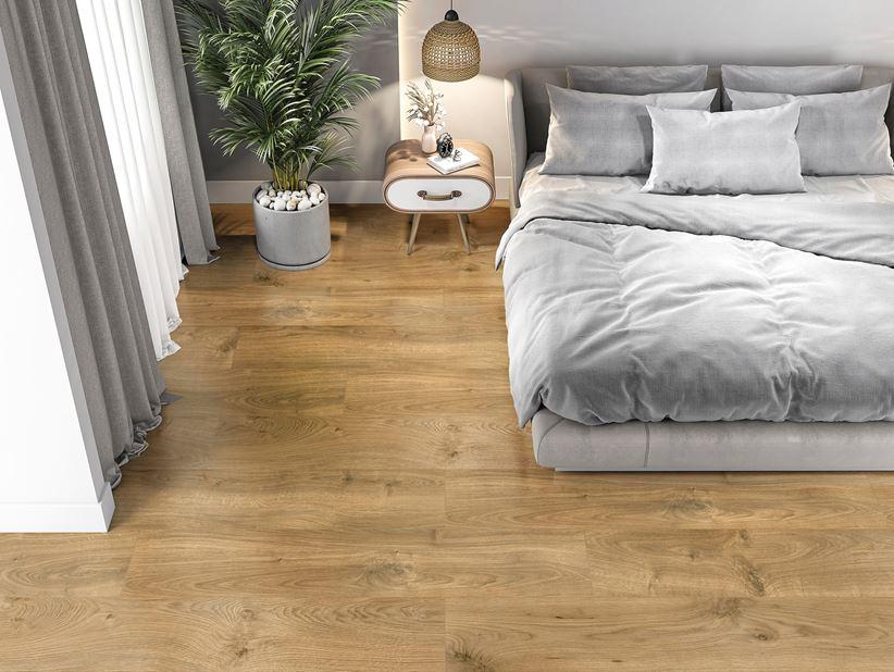 Przytulna sypialnia z płytkami z wzorem drewna