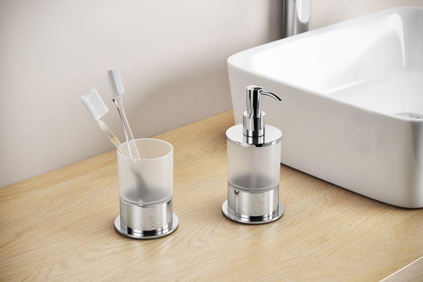 Dozownik do mydła w płynie z kubkiem szklanym w łazience Excellent Kobo DOEX