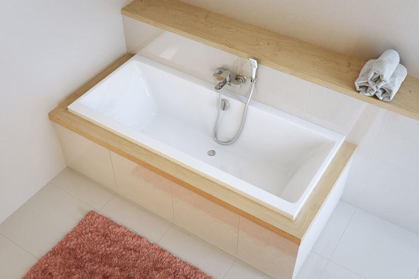 Wanna prostokątna w aranżacji łazienki Excellent Pryzmat WAEX