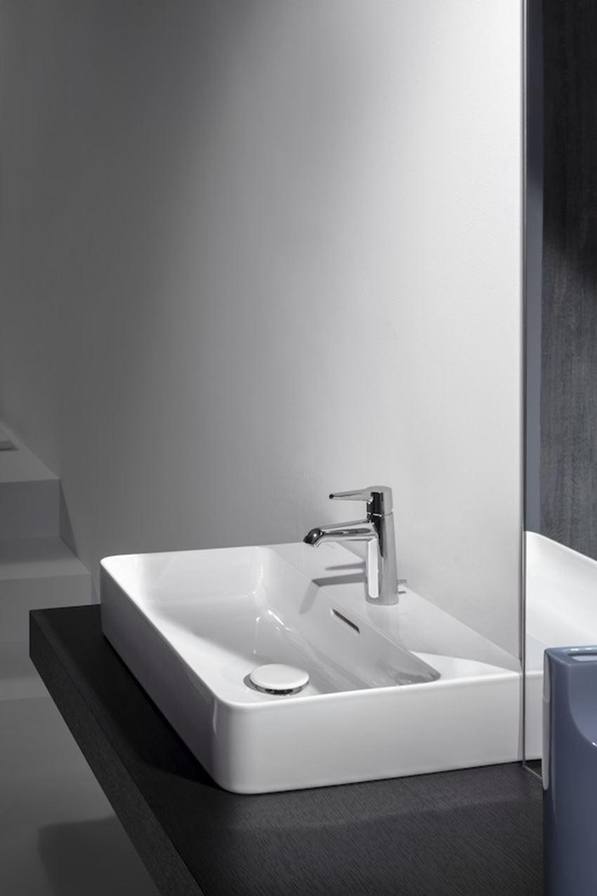 Bateria umywalkowa jednouchwytowa z korkiem automatycznym Laufen Val