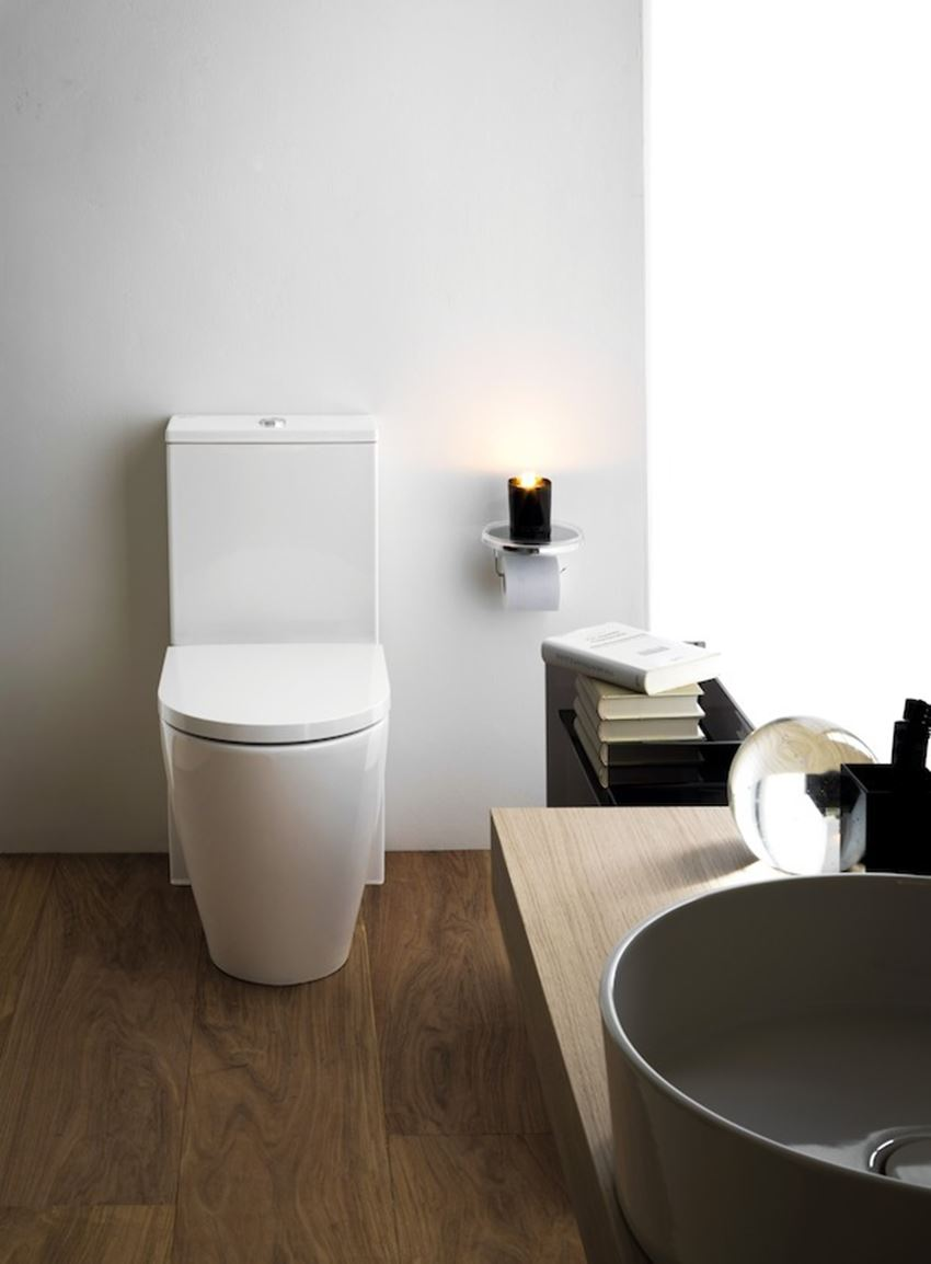 Miska WC stojąca rimless do kompaktu lejowa bezkołnierzowa Laufen Kartell