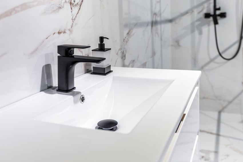 Bateria umywalkowa z korkiem click-clack Excellent Keria Czarna